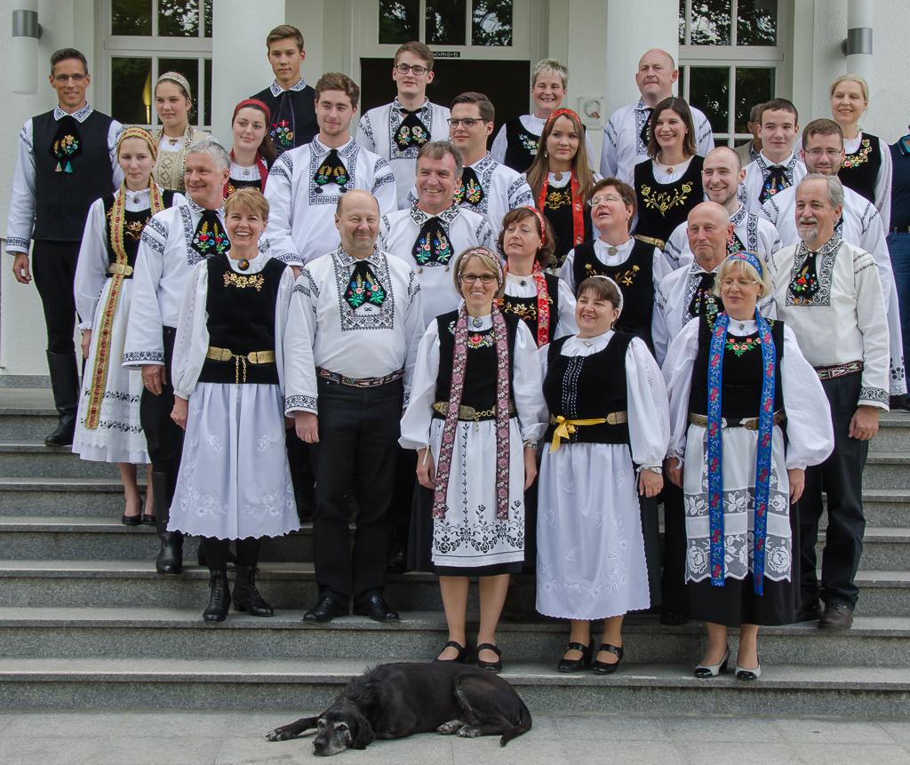 GruppenbildTrachtSeiburgerTreffen2015